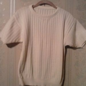 *WOMENS WHITE RIBBED SHORT SLEEVE SWEATER - SALE